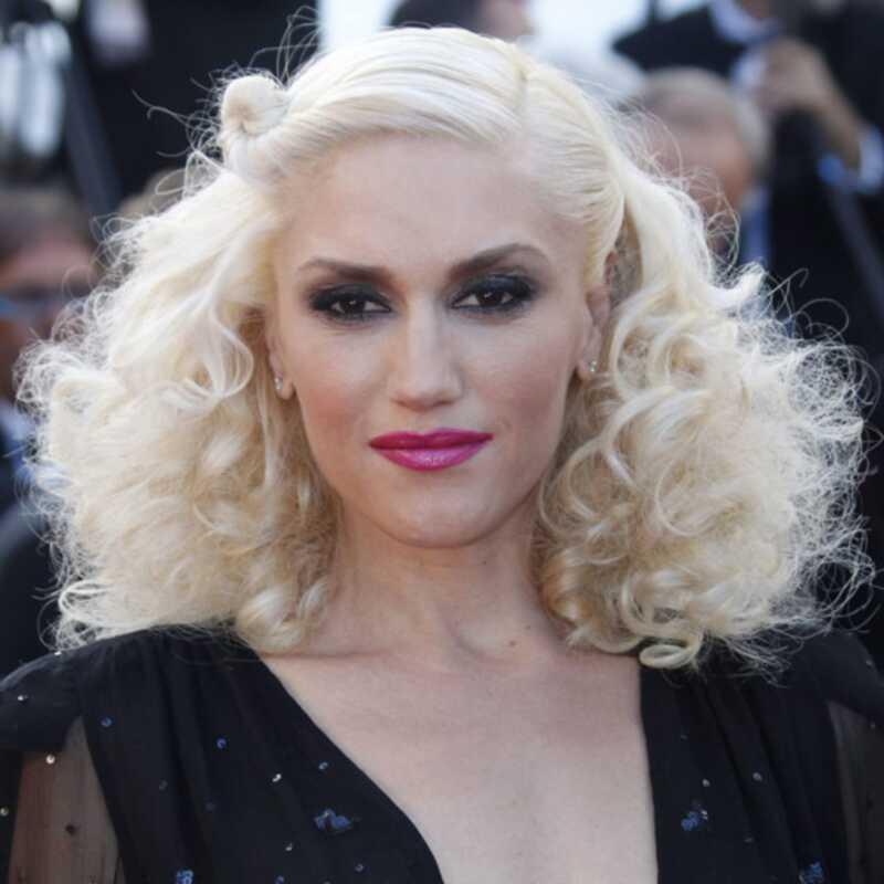 Gwen Stefani je v Cannesu težke kurlice in vroče roza ustnice