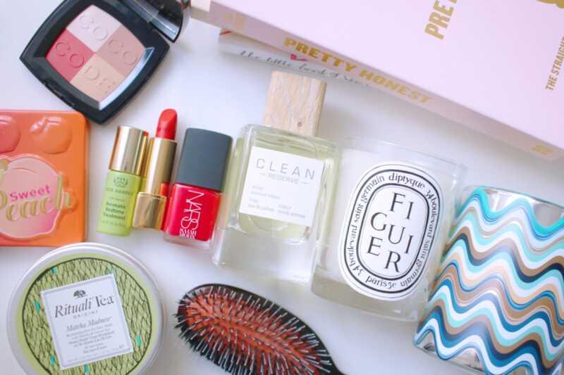 Минути идеи за подарок: 40 подароци за убавина кои треба да ги разгледате