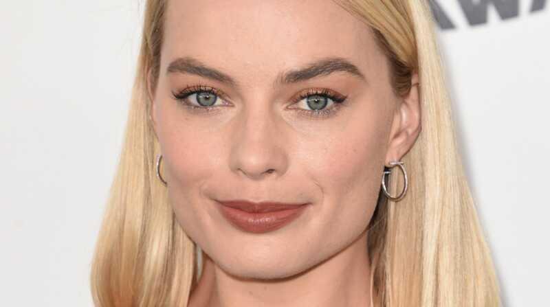Margot Robbie ādas kopšanas kārtība: precīzi izmantojamie produkti