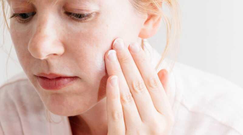 Kā novērst produktu pīlings: kā kārtot ādas kopšanas produktus