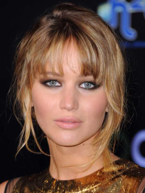 8 најдобри коса и шминка на Џенифер Лоренс