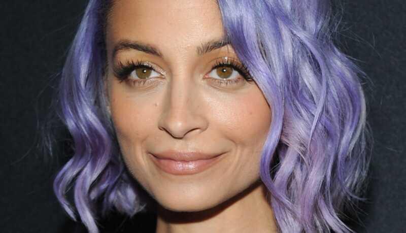 Cómo hacer que el cabello en colores pastel se vea saludable