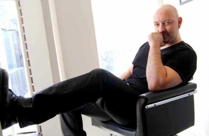 Celebrity hairstylist greg lahko deli svoje lase skrivnosti