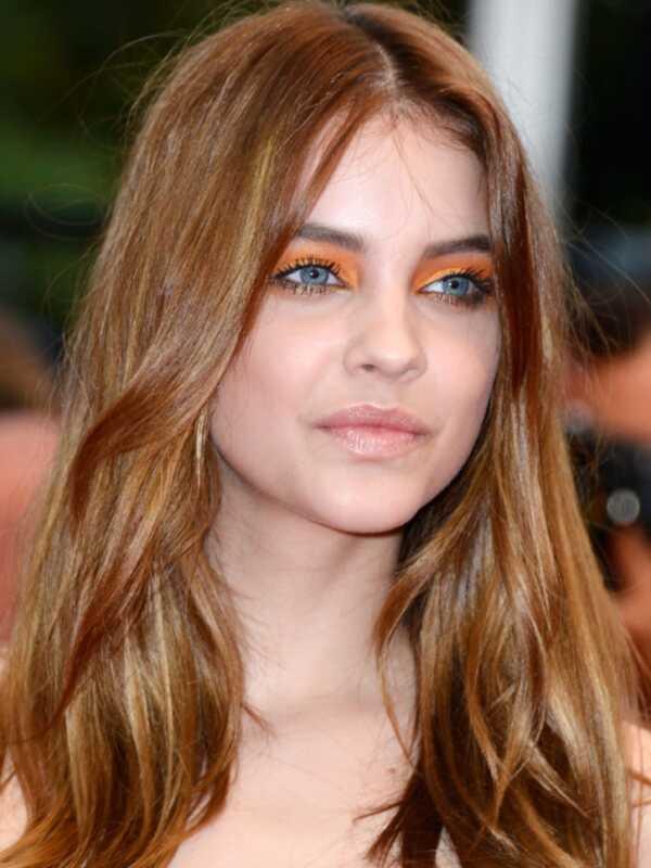 Cannes 2019: celebs ir valkājot krāsainu acu ēnu