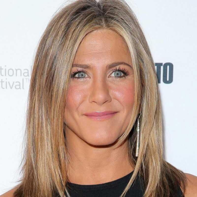 Jak Jennifer Aniston stała się tak glamour na premierze tortu TIFF