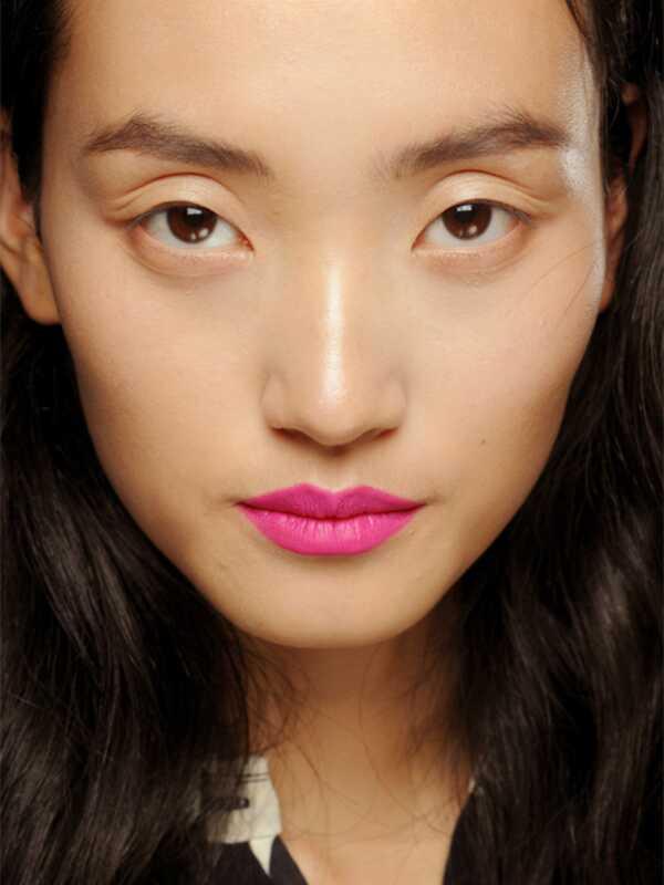 Top 5 výrobkov make-up kúpiť túto jar