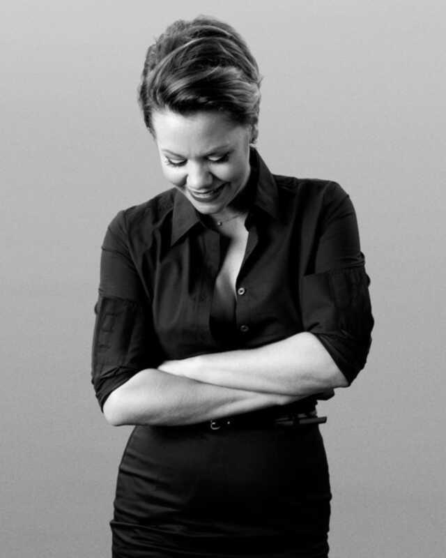 Ο καλλιτέχνης μακιγιάζ Caitlin Callahan μοιράζεται τα μυστικά μακιγιάζ της