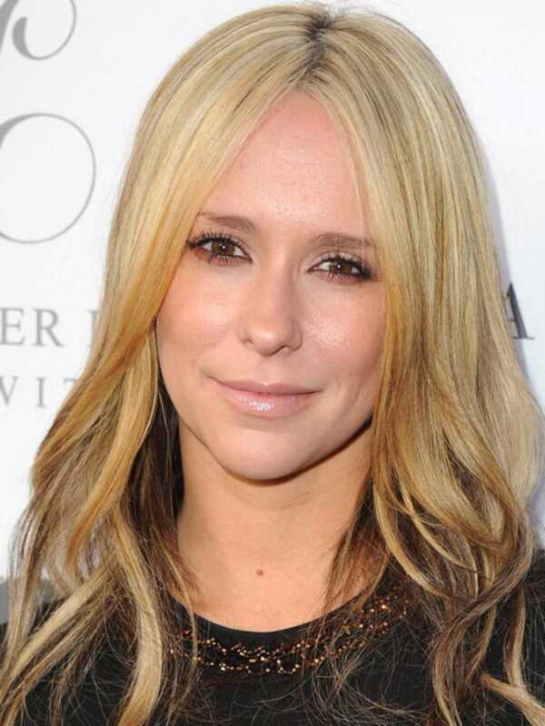 Jennifer Love Hewitt on värvinud juuksed blondid tõesti blondid