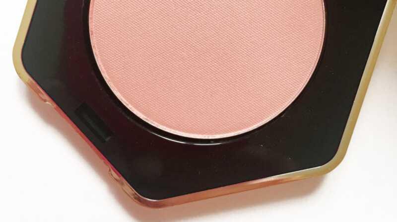 Review ng makeup ng kamay: 5 sa mga pinakamahusay na produkto upang subukan mula sa HandM beauty