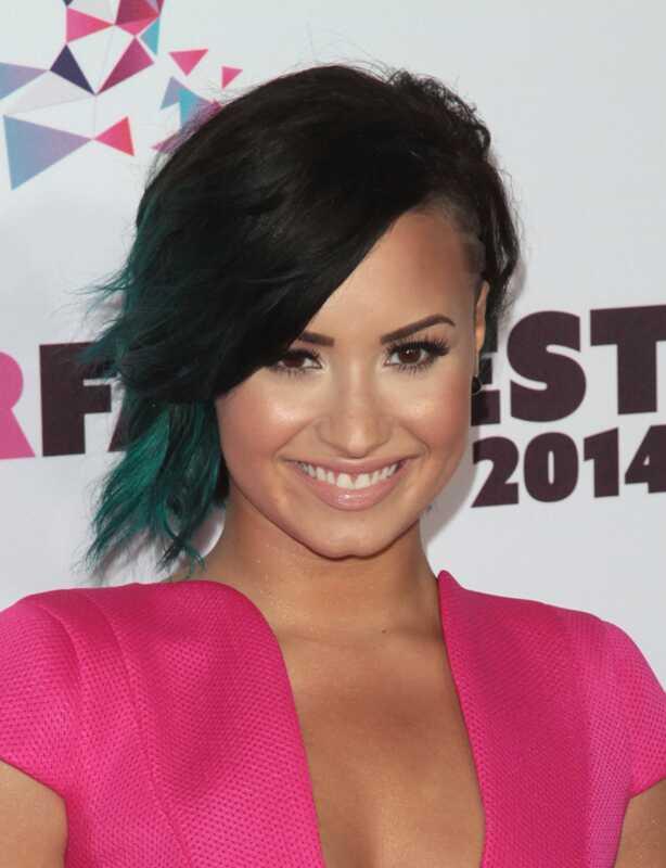 El millor mirall de maquillatge i maquillatge de Demi Lovato