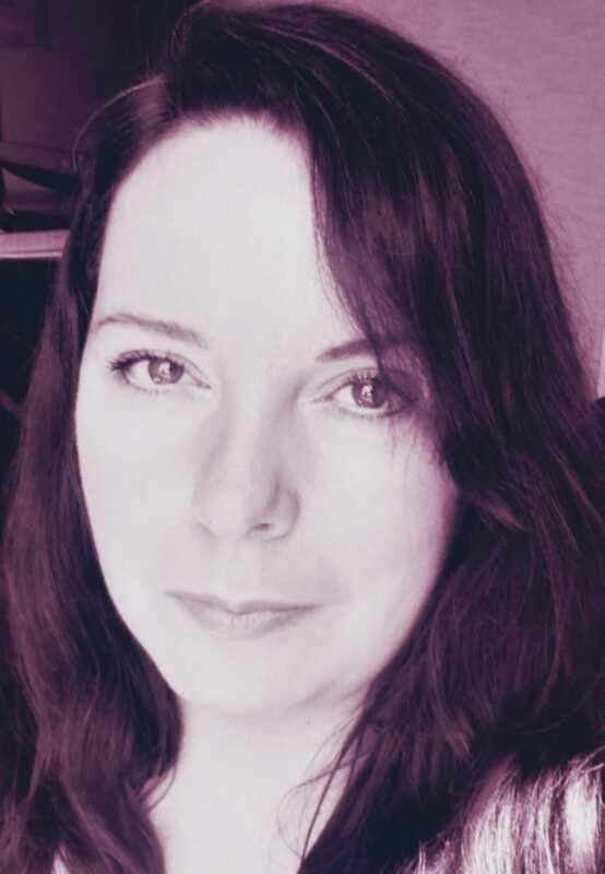 Pixi artistul de machiaj Amanda clopotul împărtășește secretele sale de frumusețe
