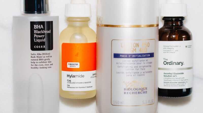 Kako koristiti AHAs, BHAs i vitamin C u rutini za negu kože