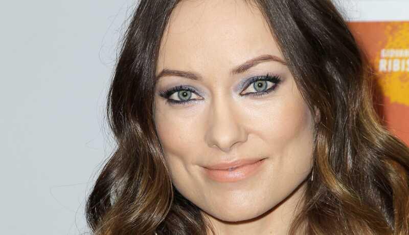 Najlepšie líčivé vzhľad a účesy: strieborné očné tiene, zvýraznené vlasy a ďalšie