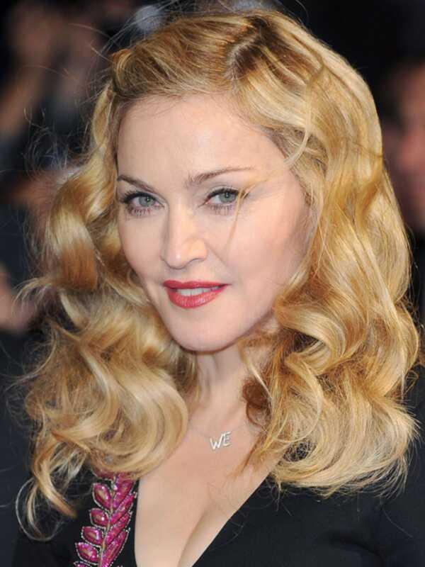 Madonna aplauzums mākslinieks gina Brooke dalās ar viņas skaistuma noslēpumiem