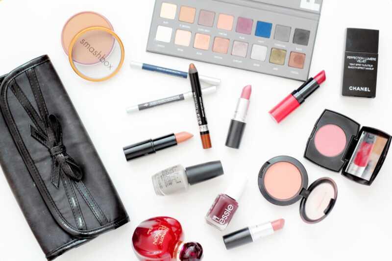 10 spôsobov, ako aktualizovať svoju make-up tašku na jeseň