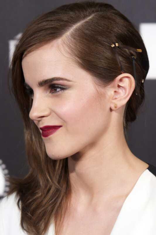 Najnovija frizura Emme Watsona sadrži vidljive Bobby igle
