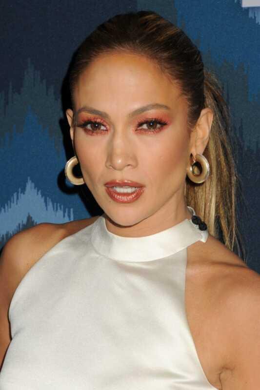 Vai vai ne: Jennifer Lopeza rūsu krāsas acu ēnas