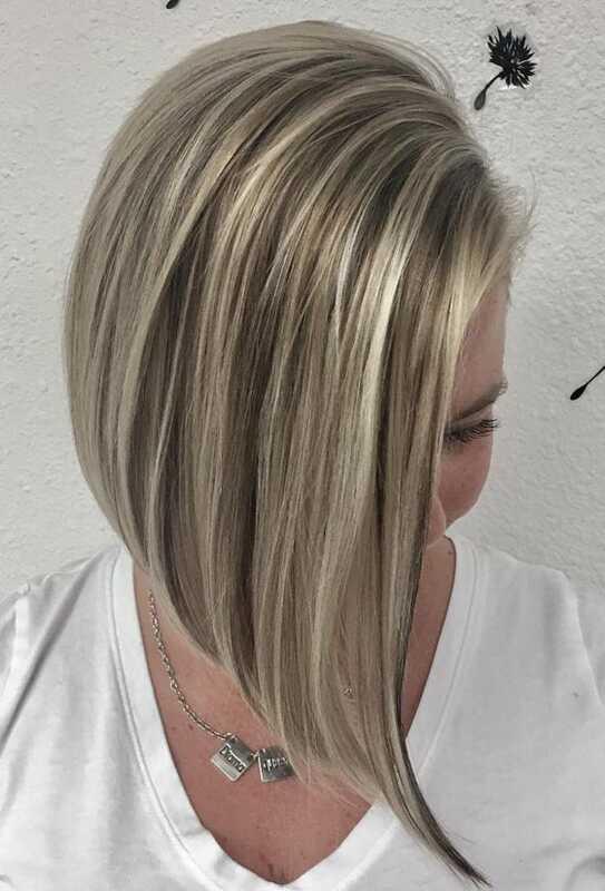 ljusa slingor i grått hår