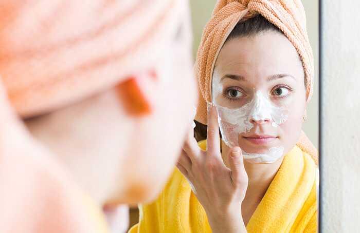 10 sorprenents beneficis del iogurt (dahi) per a la pell i els cabells