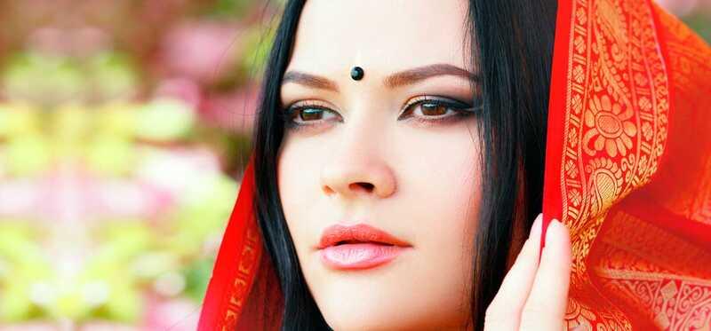 Best bridal makeup Mākslinieki Hyderabad - mūsu top 10