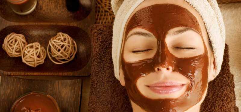 5 enkle trin til at lave en chokolade ansigts hjemme