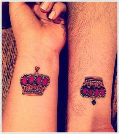 10 Niesamowity projekt tatuaż Crown