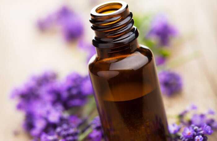 10 najlepších éterických olejov pre vašu pokožku