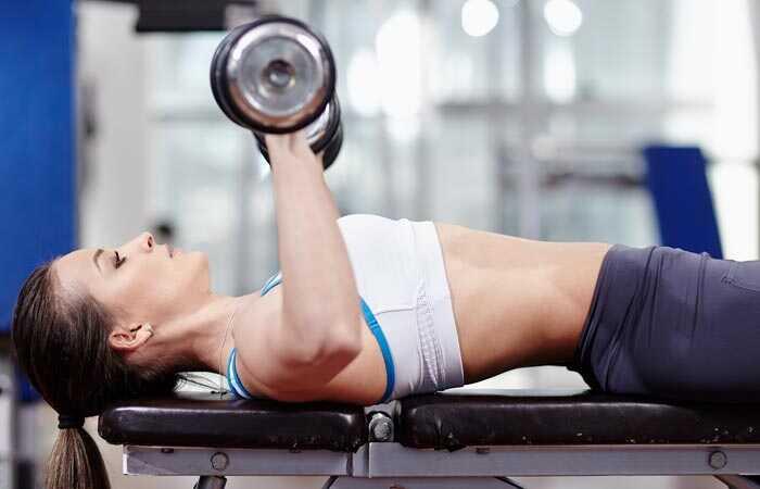 10 beste oefeningen om de borsten natuurlijk op te tillen