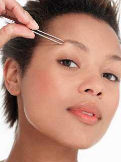 5 tips om hvordan man får smukke naturlige øjenbryn!