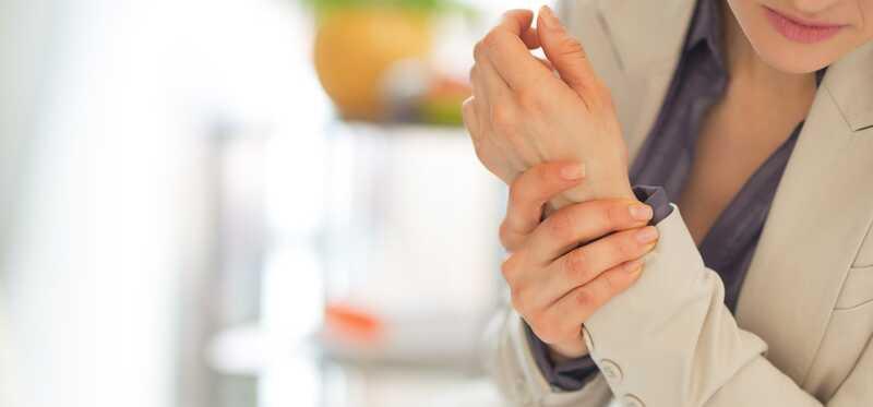 Kā lietot kastroļļu, lai ārstētu artrītu?