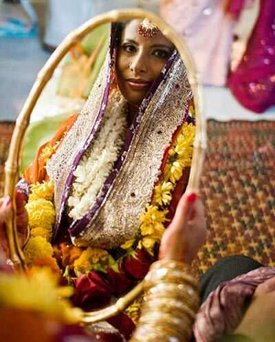 Schetsen van een pre-wedding schoonheid tijdlijn - de ultieme lijst met dingen om te doen