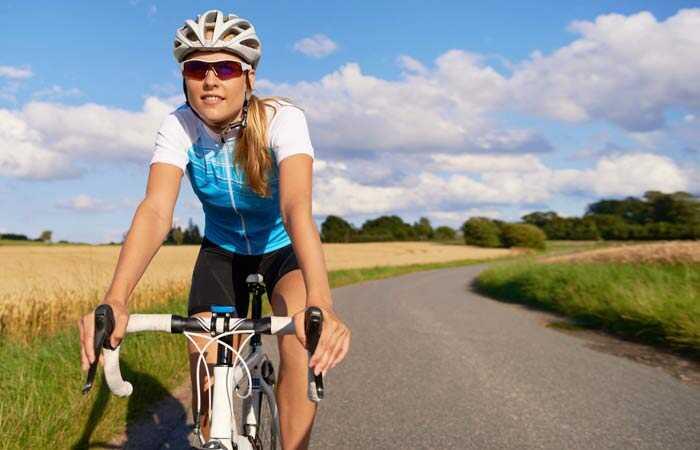 Hoe helpt fietsen u de hoogte te bereiken?