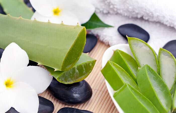 12 effektive hjemmehjælpemidler for at slippe af med en mørk hals