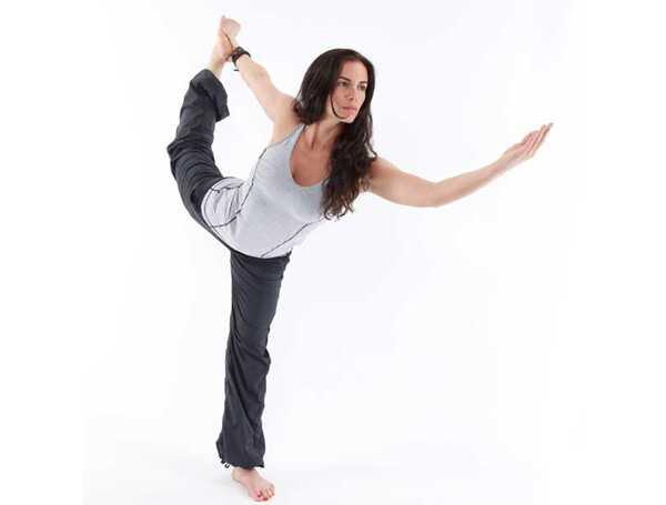 9 jóga predstavuje, aby zostala fit