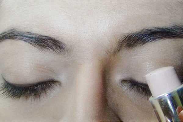 Enostavna vsakdanja kozmetika za ličenje oči - s podrobnimi koraki in slikami