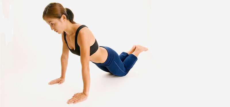 10 nemme trin til at gøre knæ push ups