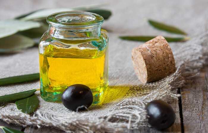 10 Лесни начини да се користи маслиново масло за да се ослободи од лузни од акни