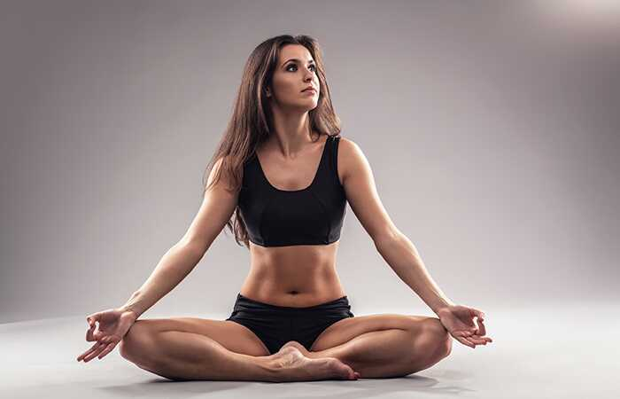 10 minútová joga s 7 stresmi, ktoré uvoľňujú Asanas, ktoré vás omladia