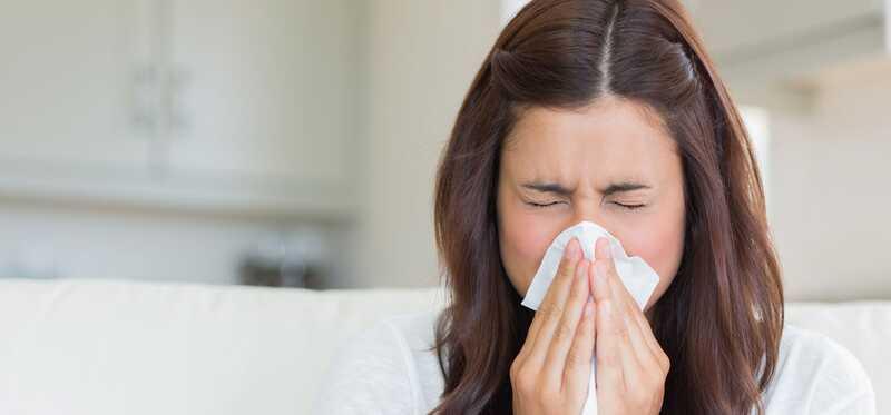 10 effektive hjemmehjælpemidler til bekæmpelse af nysen