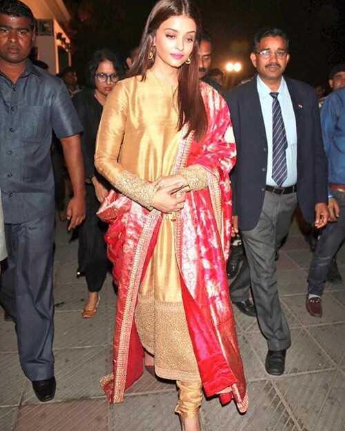 Aishwarya Rai je nejkrásnější žena - 20 oblečení, které to dokazují
