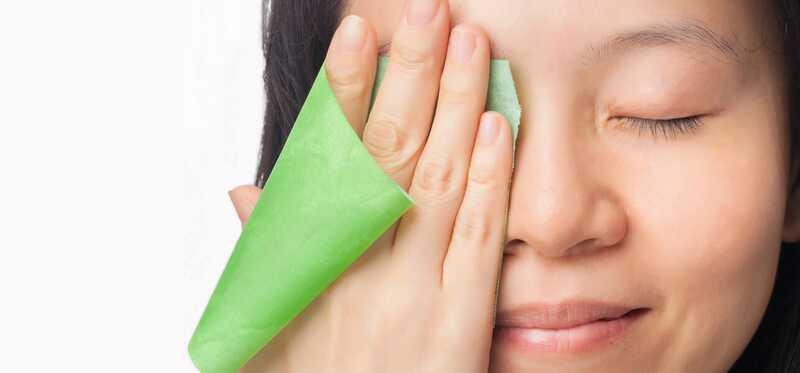 7 účinných domácich prostriedkov na odstránenie mastnej kože