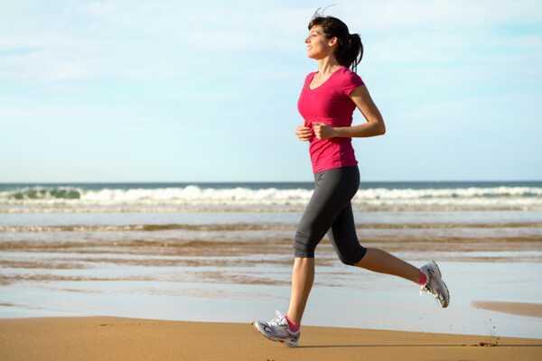 10 účinných ranných cvičení na zníženie telesnej hmotnosti