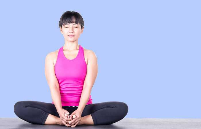 5 effektive yoga asanas til behandling af endometriose