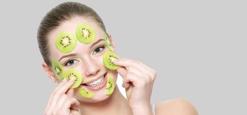 7 Kiwi ovocie tváre masky, ktoré môžete skúsiť dnes