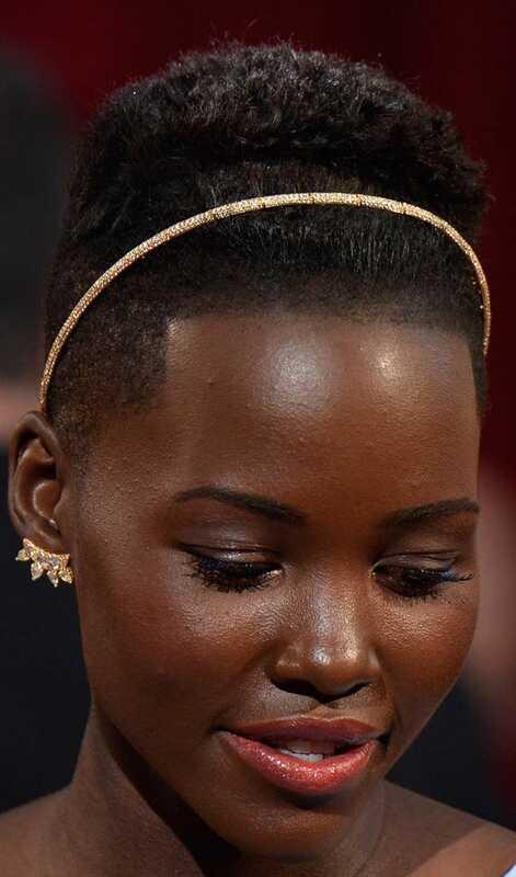 10 nádherné účes Prom pre krátke vlasy