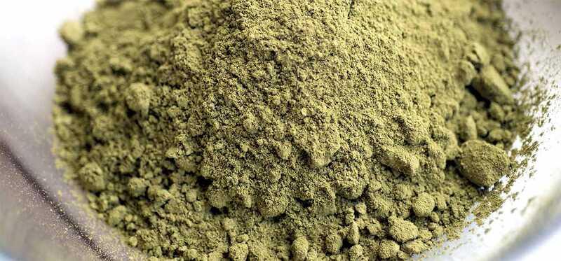 Ktoré škodlivé chemikálie sú prítomné v Henne?