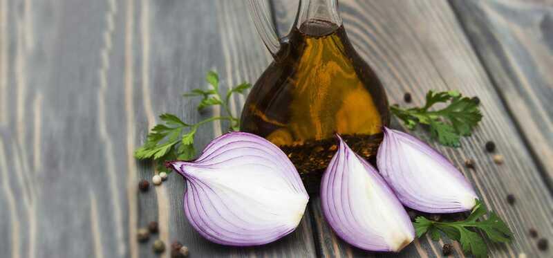 10 úžasných prínosov pre zdravie cibuľového oleja