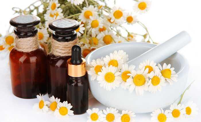 15 benefícios surpreendentes do óleo de camomila para pele, saúde e cabelo