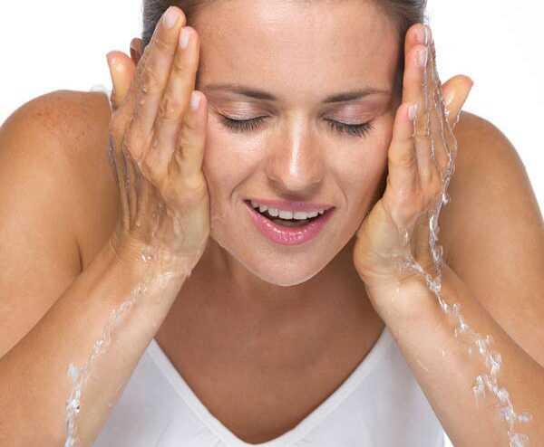 DIY: jednoduchá domáca tvárová súprava pre mastnú pleť