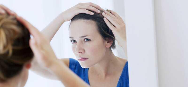 Ktoré hormóny sú zodpovedné za zvýšenie rastu vlasov a predchádzanie vypadávaniu vlasov?